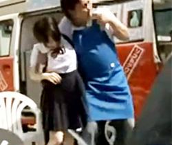 【JK動画】媚薬入りアイスを食べた可愛い女子校生を誘拐…スポーツブラをズラしてレイプ!
