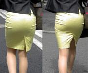 タイトスカートでムチムチのお尻のラインを晒してる素人