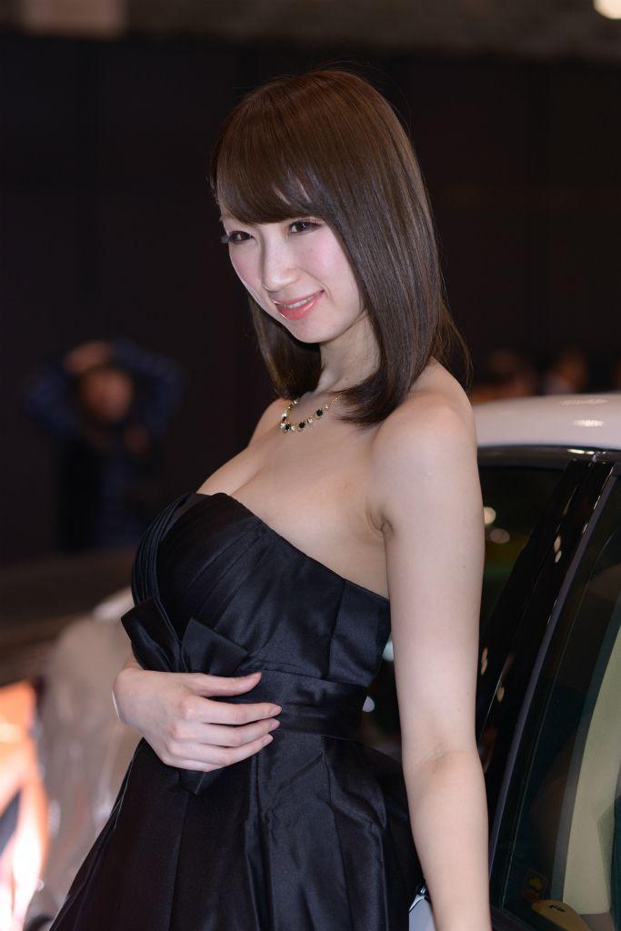 東京オートサロン2014の露出キャンギャルエロ過ぎwww