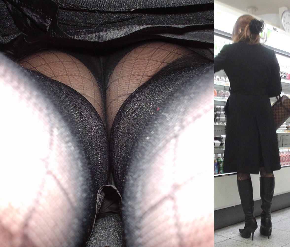 【黒スト逆さ撮り画像】黒パンスト履いた素人の透けパンツ逆さ撮り