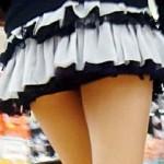 【素人街撮り画像】パンチラ注意w膝上30cm当たり前のミニスカ太ももの素人を街撮り盗撮