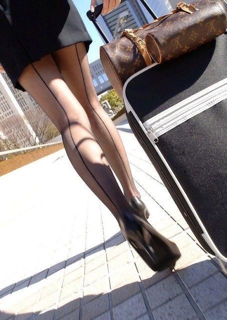 黒ストッキング履いた女性の過激画像の破壊力がヤバイw
