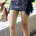【街撮り盗撮画像】10代~20代の細い太ももからムッチリ太ももまで隠し撮りした素人画像