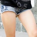 【素人街撮り画像】真夏日でエロい太もも増殖wwギャルのホットパンツ街撮り盗撮画像