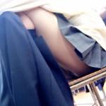 【JK盗撮画像】スマホの無音カメラで男子高校生が撮影した教室撮り画像が激アツwww