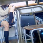 【JK教室撮り】夏になり教室の暑さに耐えれなくなった女子校生のパンチラ率は異常www