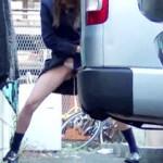 【JKおしっこ盗撮動画】帰宅中に我慢出来ず駐車場の隅で豪快に立ちションしてる女子校生を盗撮したww