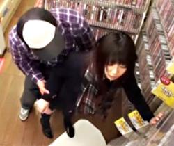 【早瀬ありすAV動画】本屋で立ち読みしてるロリ女子校生に濡れてなくても入るヌルチンをバックから挿入ww